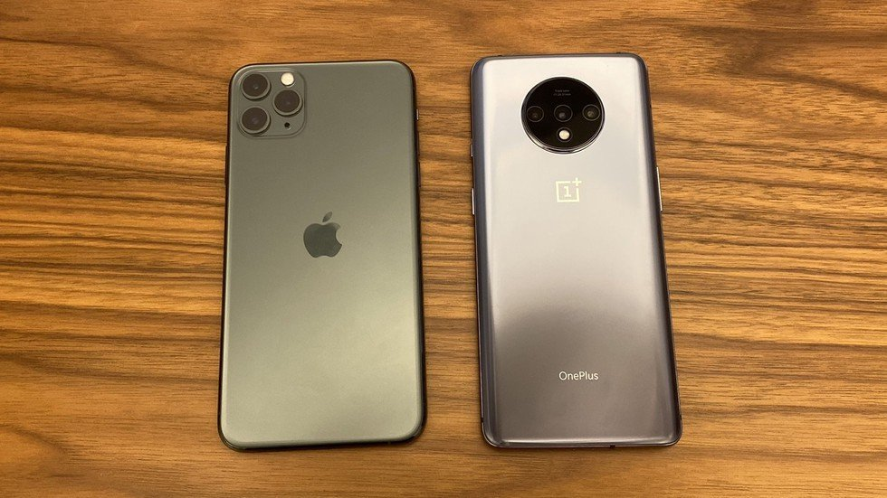 Left to right: iPhone 11 Pro Max, OnePlus 7T
