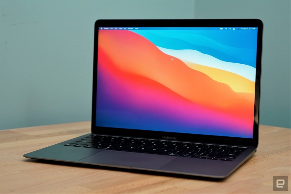 MacBook Air M1 review: Faster than most PCs, no fan required